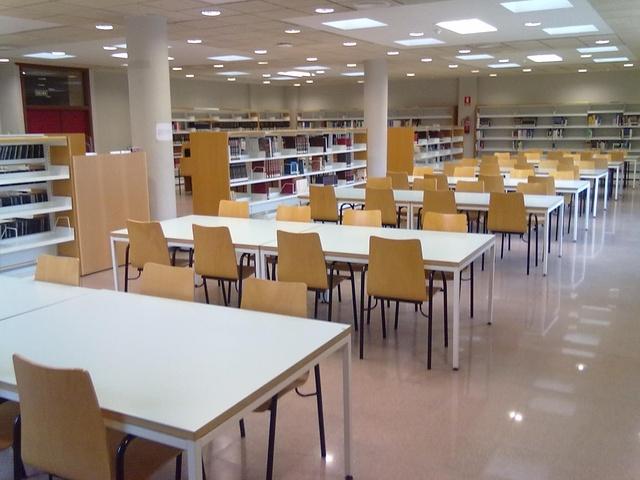 Les biblioteques municipals continuen ampliant els seus horaris d'obertura