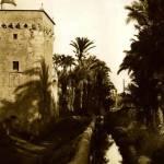La acequia Mayor alimentaba, con la energía de sus aguas, la maquinaria de los molinos, como el molino de la Veta o de Ressemblanc, situado junto a la torre del mismo nombre. Fotografía: AHME.