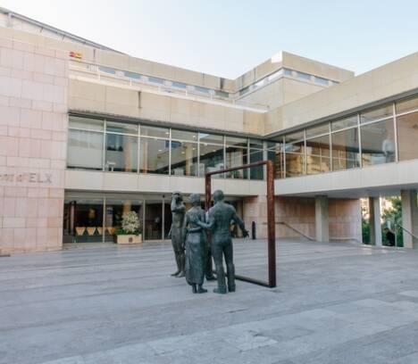 Un estudio de la UMH sitúa al Ayuntamiento de Elche como el más transparente de la provincia de Alicante