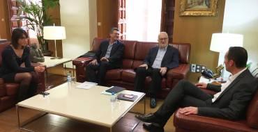 El Ayuntamiento y la Fundación Caja Mediterráneo potenciarán el Festival de Cine y el uso del Hort del Xocolater