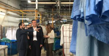 Visita de l'alcalde a la bugaderia de l'ONCE