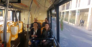 Elche inaugura el nuevo recorrido de la línea de bus R2 que llega a Carrefour y a las oficinas de Tráfico