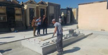 El Ayuntamiento invierte 420.000 euros  en los dos cementerios de Elche, un  25% más que en 2016