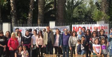 El ayuntamiento escenifica su compromiso con los refugiados