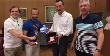 Recepción al Campeón de Kárate de Argel