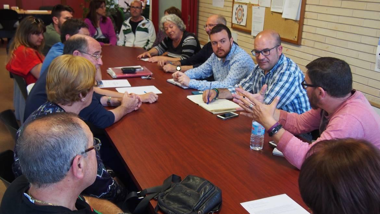 Els regidors de Participació i de Parcs i Jardins es reunixen amb l'Associació de Veïns del barri d'Altabix
