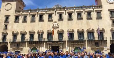 El alcalde participa en Alicante en la foto del Día de Europa