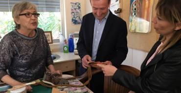 El alcalde visita las instalaciones de la Fundación Defora