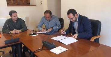 Firma de convenio entre el Ayuntamiento y AESEC