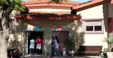 Educación plantea trasladar el colegio  Virgen de la Luz a las instalaciones del  Pedro Ibarra o realizar un nuevo centro  educativo en la zona de Altabix