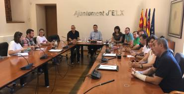 Los grupos municipales, salvo Ilicitanos por Elche, firma la Declaración Institucional para fortalecer los vínculos entre la ciudad y el Camp d'Elx