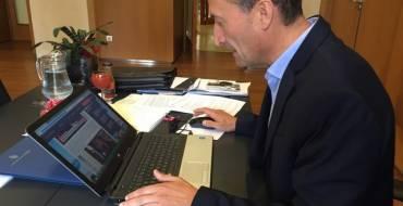 L'alcalde demana als bancs que instal·len caixers automàtics als Arenals del Sol