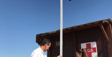 Les platges d'Elx ja exhibeixen les seues cinc banderes blaves