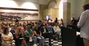 El Bibliobús llevará el nombre del  escritor ilicitano Manuel Segarra