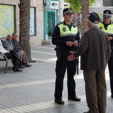 Acompañamiento de anciano desaparecido durante la noche en Matola