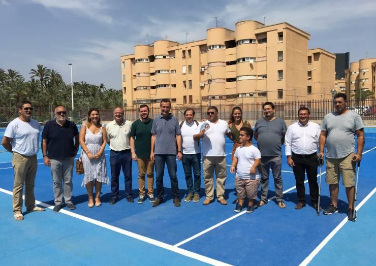 El Ayuntamiento devuelve a los vecinos de Palmerales su polideportivo