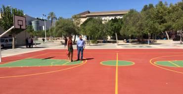 El Ayuntamiento se vuelca en la mejora de  las instalaciones educativas