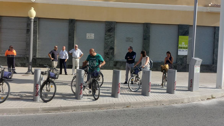 L'Ajuntament inaugura una nova estació de BiciElx a l'avinguda de l'Altet