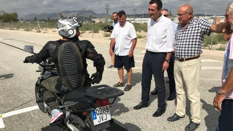 Trànsit realitzarà exàmens de moto a Elx a partir de dilluns en una parcel·la cedida per l'Ajuntament a l'Associació d'Autoescoles