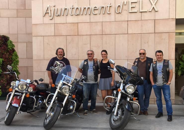 """La Ruta Mototurística """"Elche Oasis Mediterráneo"""" atrae a la ciudad a medio millar de motoristas de toda España"""