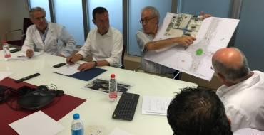 El alcalde presenta al consejo de salud del Vinalopó la rotonda que facilitará el acceso al centro sanitario