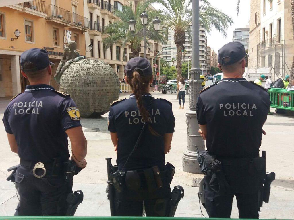 Detenido tras sustraer móvil y agredir a los agentes