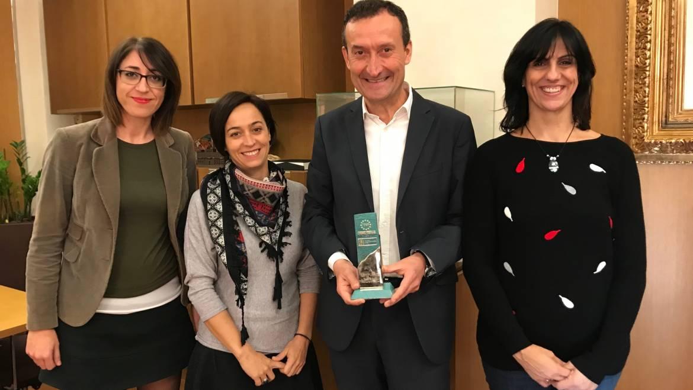 El Ministerio de Educación premia al Ayuntamiento de Elche por su programa contra el absentismo escolar