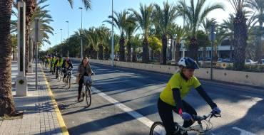 Mobilitat presenta el nou carril bici de l'avinguda del Ferrocarril integrat en la circulació