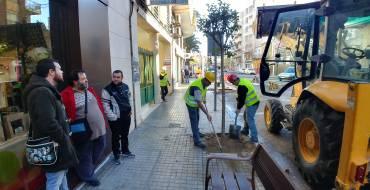 Parques y Jardines visita la actuación de cambio de arbolado en la calle Antonio Machado