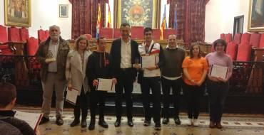 L'alcalde i el regidor d'Esports reben el nadador Luis Paredes i el Club Natació Elx