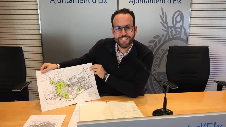 El Ayuntamiento mejora la imagen de la ciudad y la seguridad vial con 660.000 euros la renovación de la señalización horizontal y 40.000 para la señalización vertical informativa