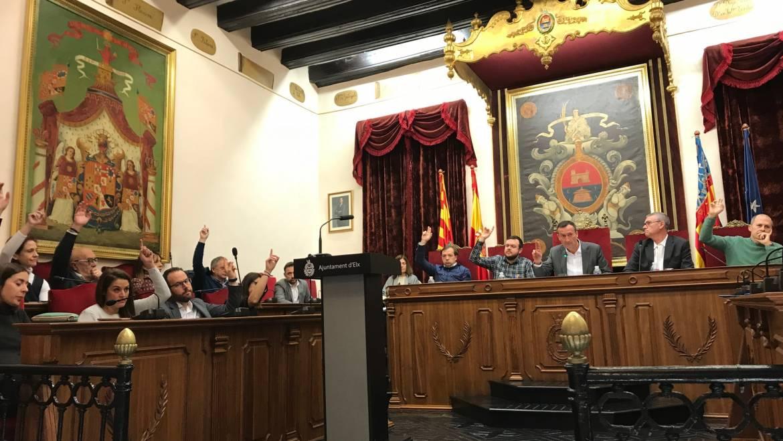 El presupuesto municipal de Elche recibe la aprobación definitiva en el pleno sin ningún voto en contra