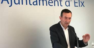 El alcalde exige a Rajoy fechas concretas para inaugurar el AVE, construir el tramo final de la Ronda Sur y mejorar los accesos al aeropuerto