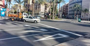 Finalizan los trabajos de repintado de señalización horizontal en El Pla y Los Palmerales y llegan a la Avenida de la Libertad