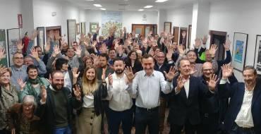 Varios miembros de la corporación municipal acuden a la celebración del 60 aniversario de APESOELX