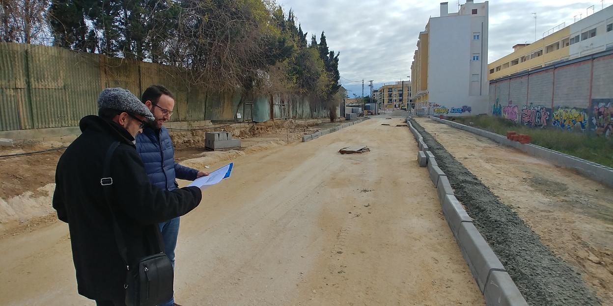 Manteniment dóna resposta a una reivindicació dels veïns de l'Altet urbanitzant un dels seus carrers