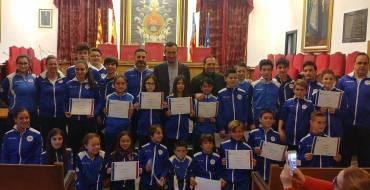 El alcalde y el edil de Deportes reciben en el Salón de Plenos al Club Karate-Do Shotokan