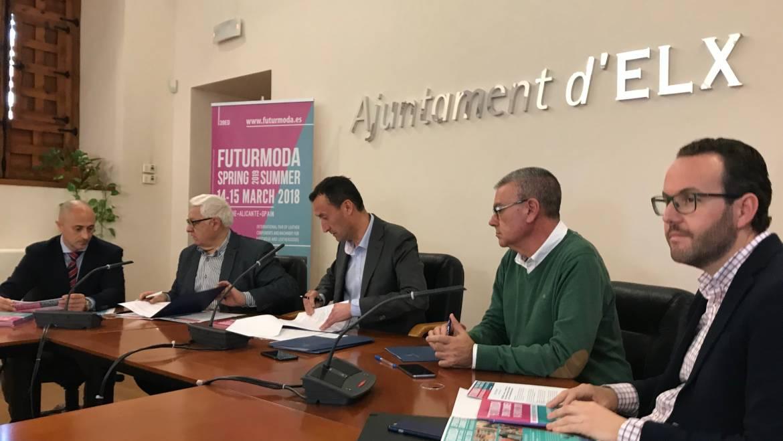El Ayuntamiento apoya con 34.000 euros la participación de empresas en Futurmoda y actividades de AEC