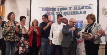 Más de 250 personas rinden un emotivo homenaje a director del colegio público San Antonio de La Foia