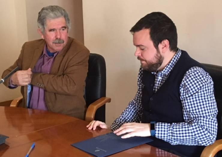 Signatura del conveni entre l'Ajuntament i ASAJA