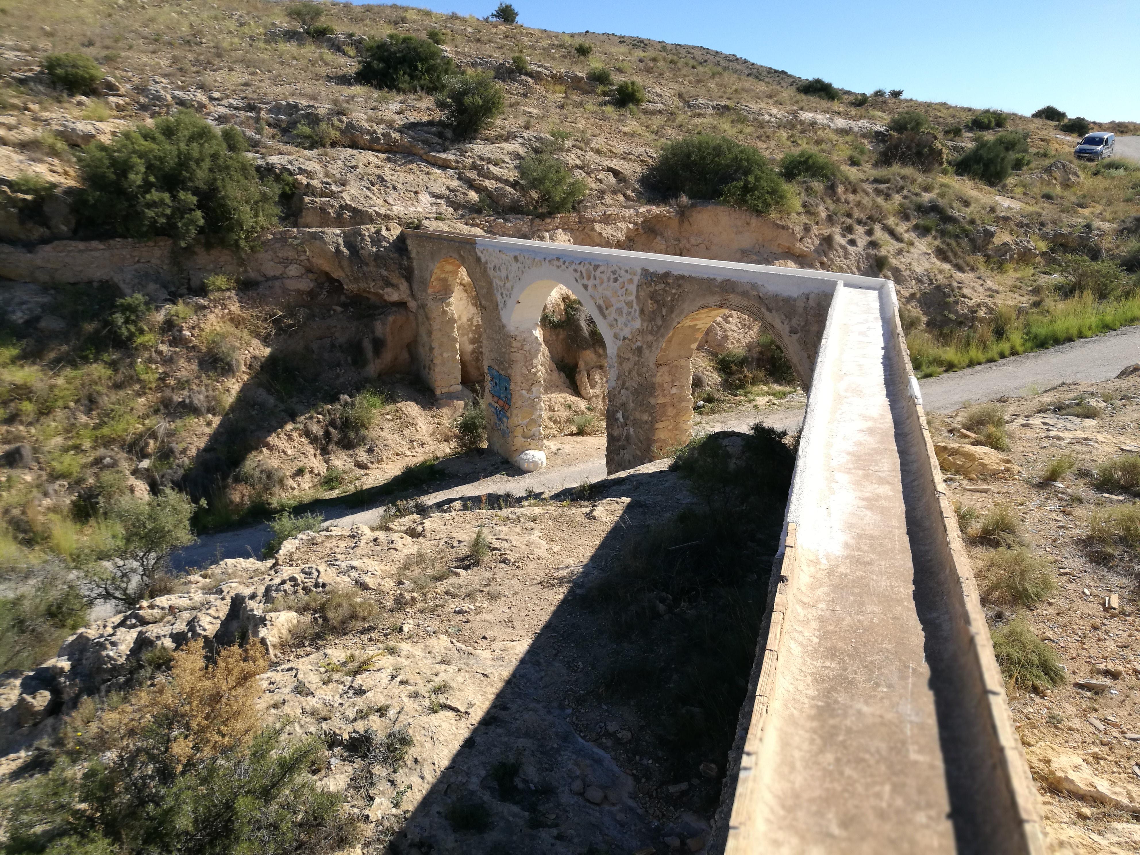 Acueducto y canalización del Barranco del Grifo