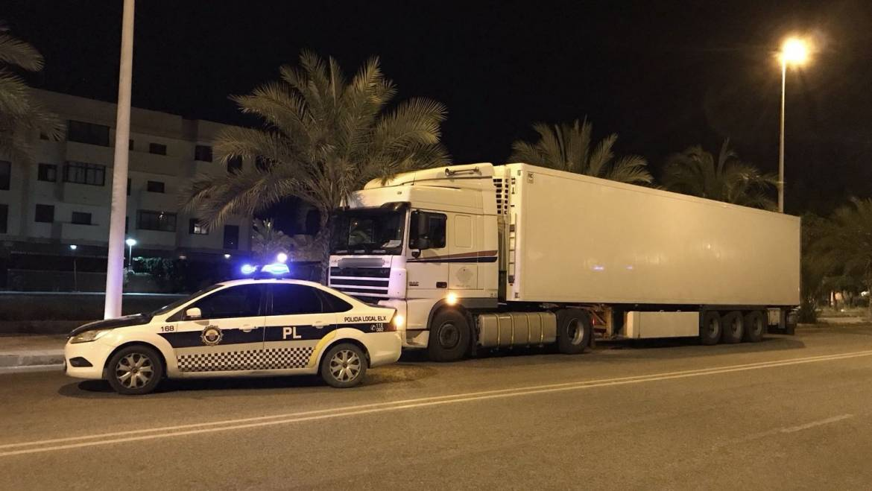 Interceptado conductor de camión con permiso caducado y positivo en estupefacientes