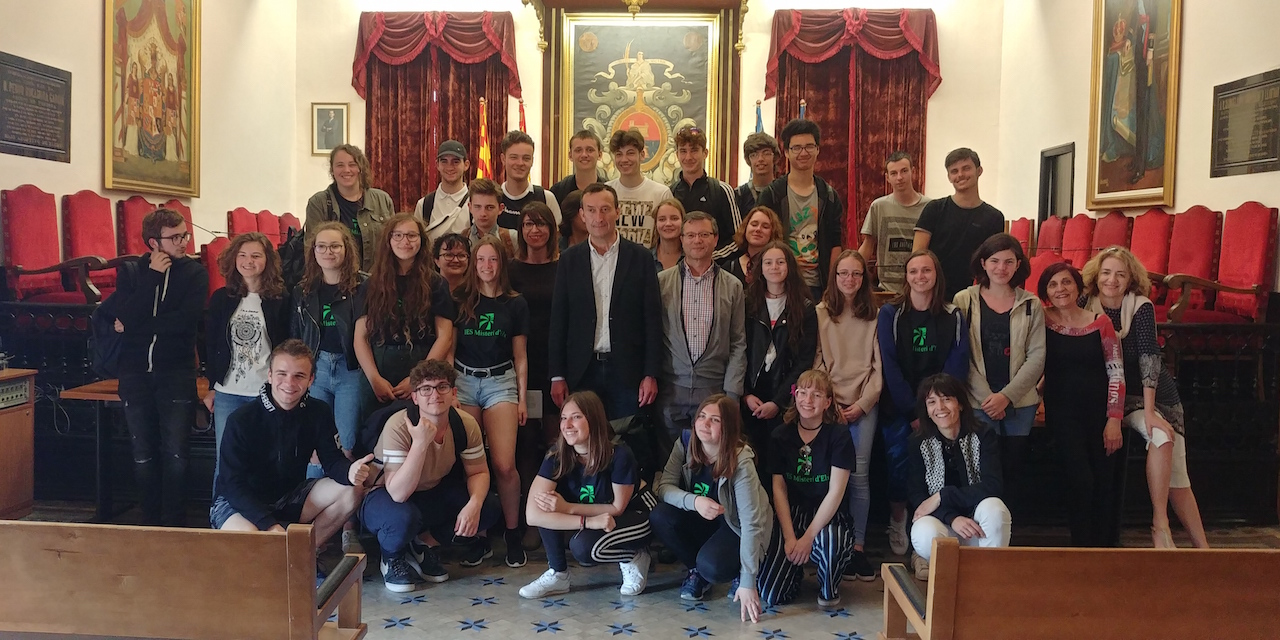 Recepció de l'alcalde i la regidora de Cultura a estudiants francesos