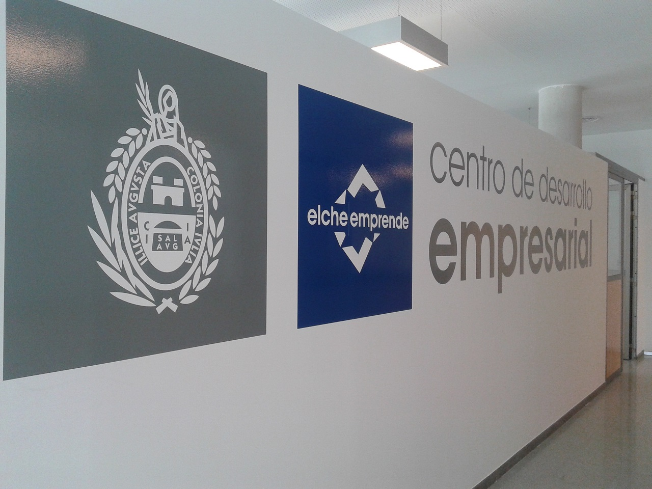 Centro de Desarrollo Empresarial cartel 2