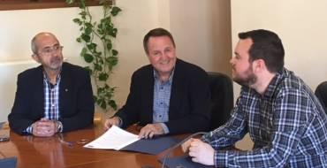El Ayuntamiento firma un convenio de colaboración con la Comunidad de Labradores y Ganaderos