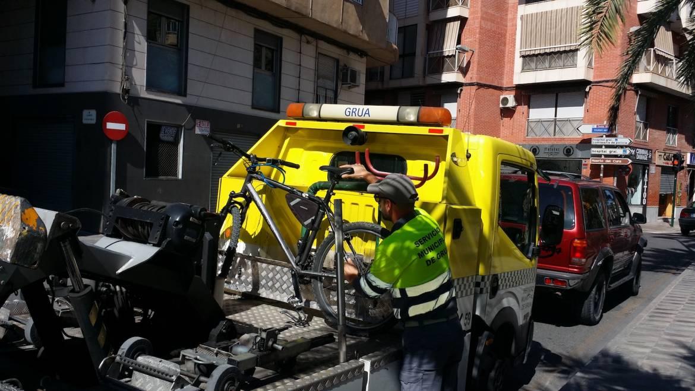 Denunciados por positivo en estupefacientes conductor denunciado en control de velocidad y un ciclista