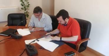El Ayuntamiento firma un convenio de colaboración con la Associació per al Desenvolupament del Camp d'Elx