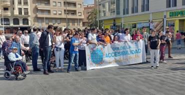 Cerca de 150 personas participan en la marcha del Día de la Accesibilidad