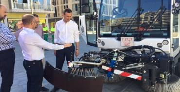 El Ayuntamiento invierte 250.000 euros en una nueva barredora para mejorar la limpieza de barrios y pedanías