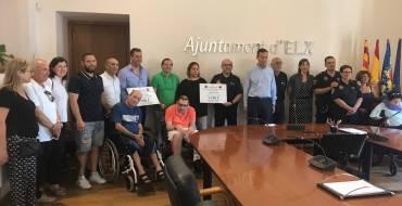 Entrega de los cheques solidarios de la Transilicitana